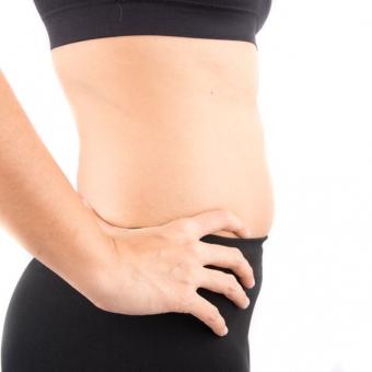 スリムなのに下腹ポッコリ・・・多くの女性が悩む内臓下垂の日常ケア