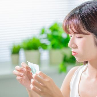 梅雨時期のベタベタ肌の正しいお手入れと心掛けたい食習慣