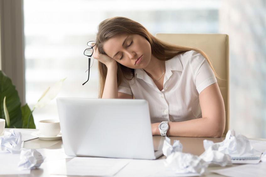 もはや現代病とも言える慢性的な睡眠不足