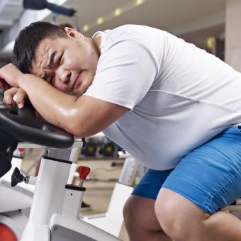 運動しようにも膝が痛い!膝痛の原因と必要な栄養素を知ろう