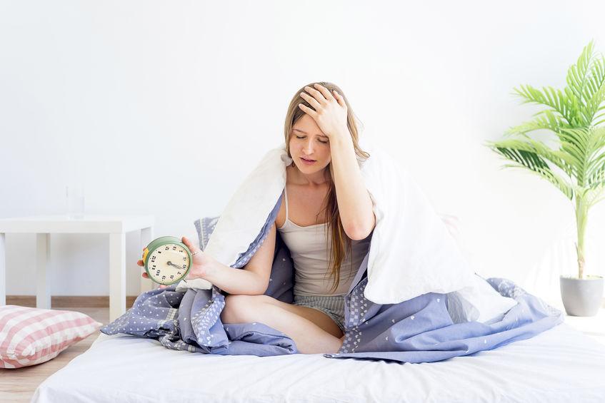 寝不足だけじゃない!取れない疲れや慢性的なだるさの原因と対策