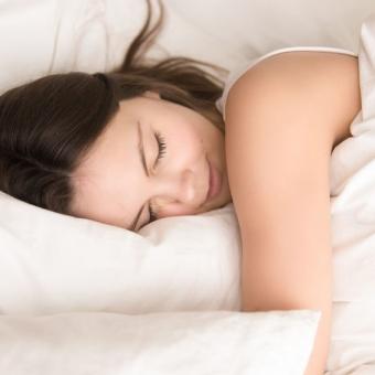一年中活躍?快適な睡眠に欠かせない羽毛布団の実力とは