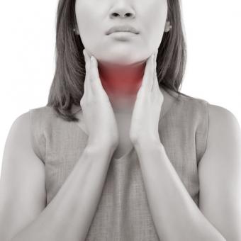 中高年女性に多い更年期からのいびきと甲状腺機能の関連性