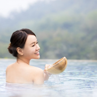 美肌・美容効果が高いと知られる全国の温泉・泉質とは