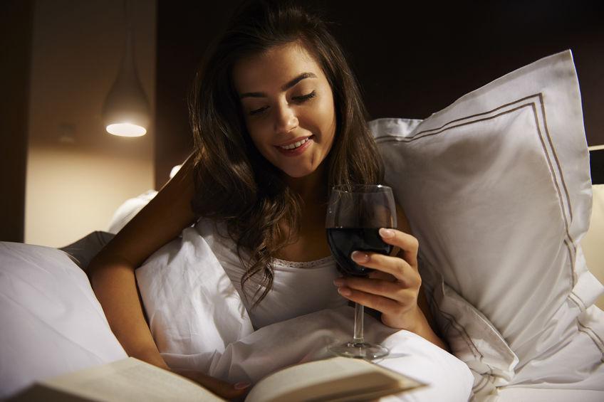 気分が良いのはその時だけ?!寝酒が及ぼす様々な影響